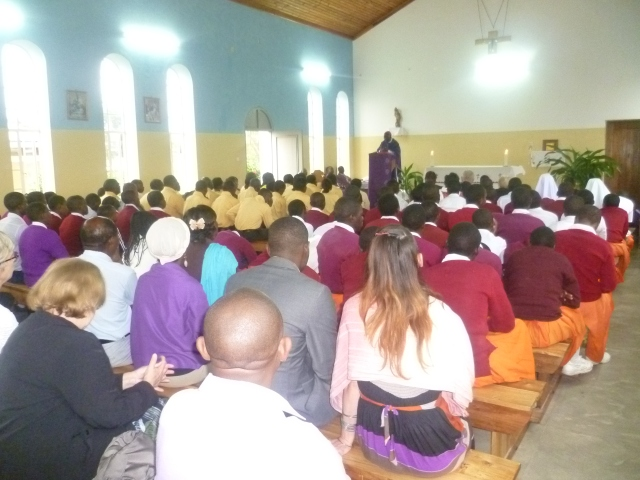 The Iringa community shows its appreciation to Bibi Constance and Global Outreach